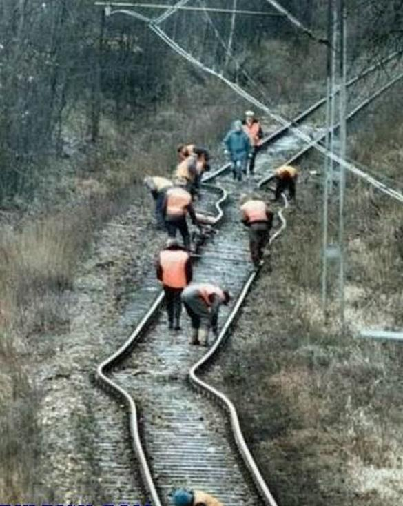 expect railway delays funny photo